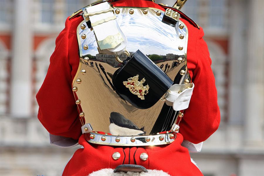 Będzie więcej patroli wokół Buckingham Palace