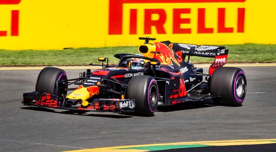 Brexit bez umowy może oznaczać spore kłopoty dla załóg zespołów Formuły 1 w nowym sezonie