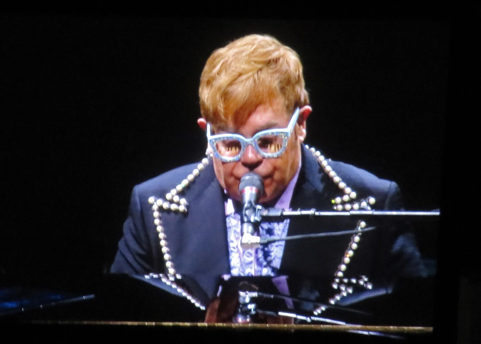 """Elton John: """"Jestem Europejczykiem. Nie jestem głupim, kolonialnym, imperialistycznym angielskim idiotą"""""""
