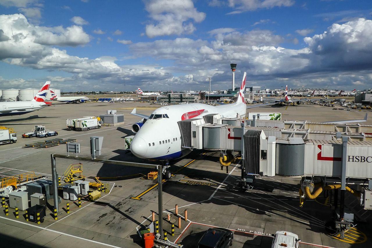 Wielka Brytania znosi zakaz podróży zagranicznych