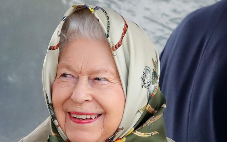 """""""Nigdy nie spotkałam królowej"""" – odpowiedziała żartobliwie Elżbieta II turystom, którzy jej nie rozpoznali"""